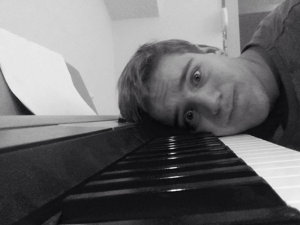 Pavle Gavrilovic (gitara i klavir)
