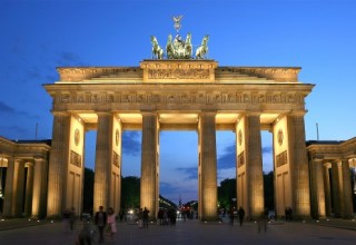 Brandenburger_Tor_abends-480x320