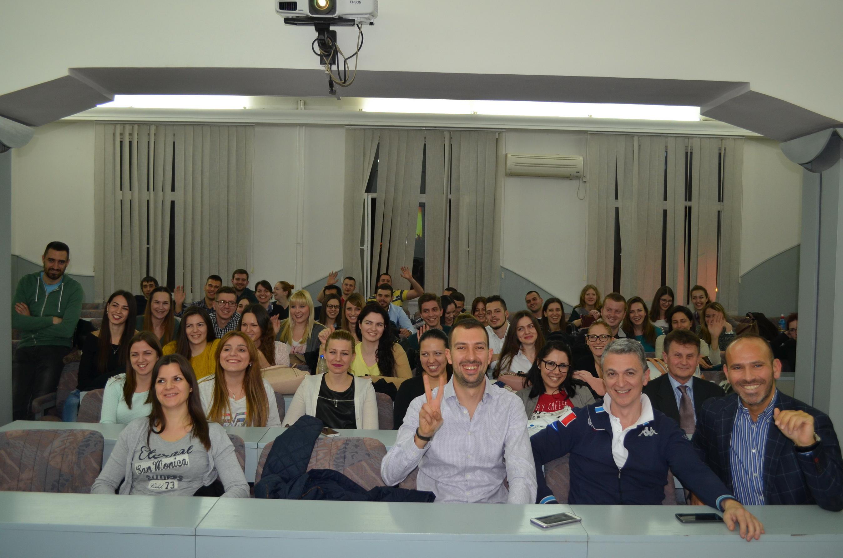 Atanas Rajkov dir Vajbera sa studentima Ekonomskog fakulteta